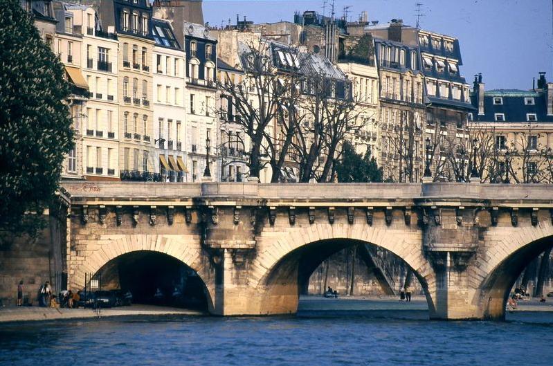 Parisp04_800x600